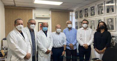 Roberto Claudio participa de encontro com dirigentes do curso de Medicina da UFC