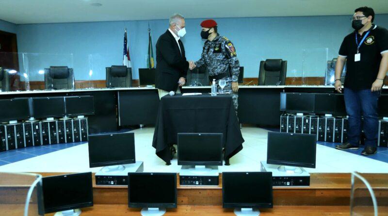 Tribunal de Contas do Amazonas realiza doação de 250 computadores a órgãos públicos